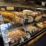 秋田「デュプレいしい」は豊富なメニューとBDケーキが人気!